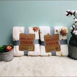 Berkshire Blanket Holiday Throw Set (PM_B40)